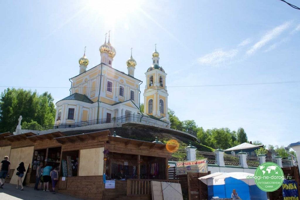 Плёс, Воскресенская церковь.