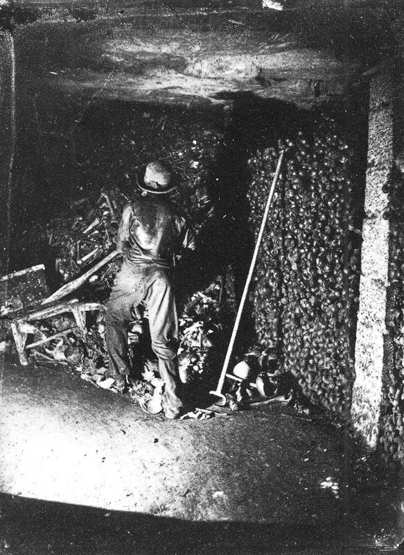 Работы в катакомбах Парижа
