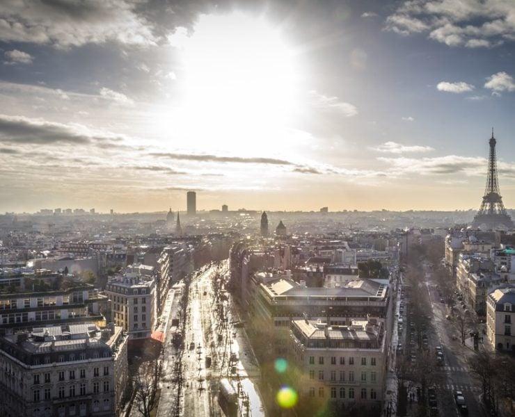 Вид сверху на районы Парижа