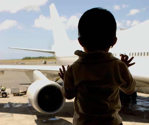 Ребёнок в аэропорту
