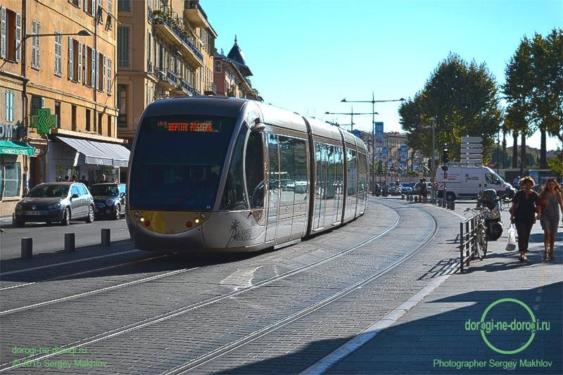 Трамвай в Ницце - самый удобный вид транспорта