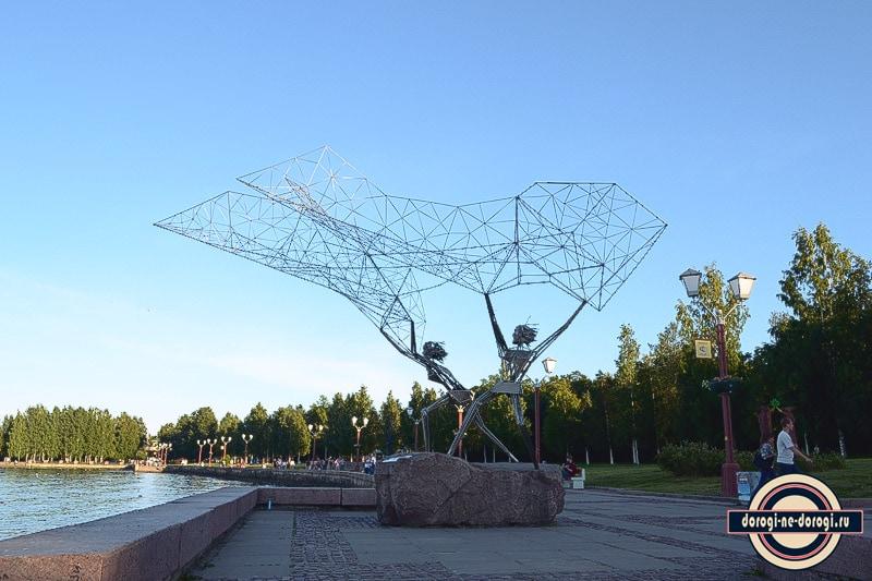 Монумент Рыбаки в Петрозаводске