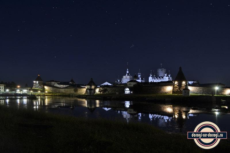 Соловецкий монастырь ночью