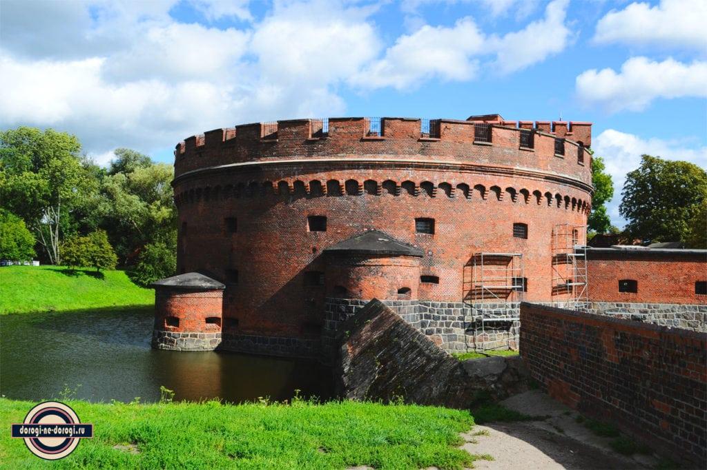 Башня Дона в Калининграде. Старая немецкая крепость. Теперь тут музей янтаря.