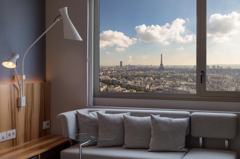 Вид на Париж из отеля Hyatt Regency