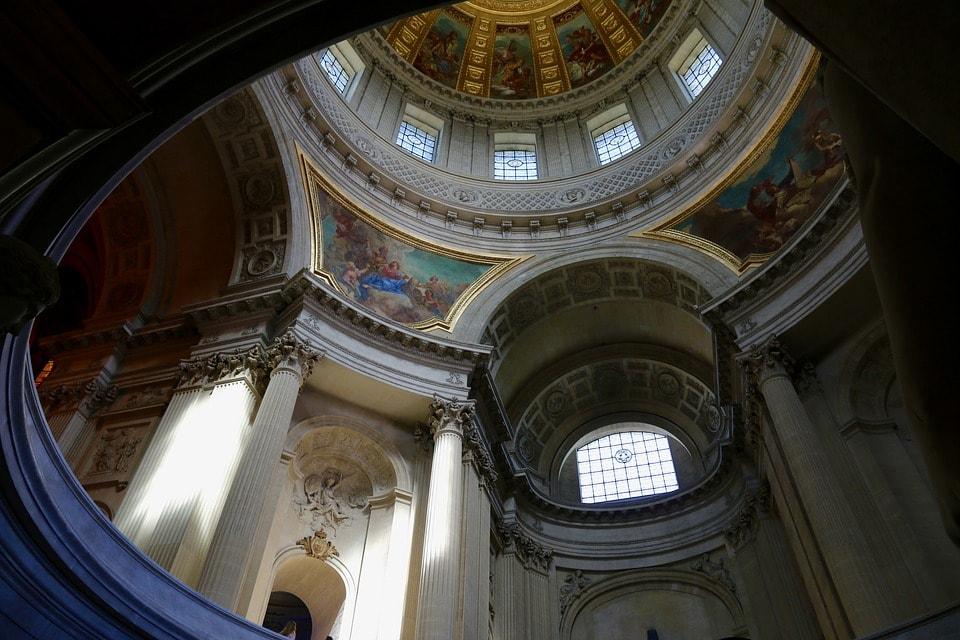 Пантеон - главная архитектурная достопримечательность Парижа