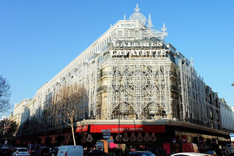 Галерея Лафает достопримечательность для любителей шопинга