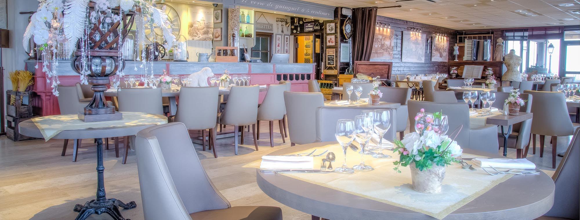 Интерьер ресторана Moulin de la Galette