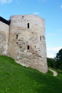 Изборская крепость. Башня.