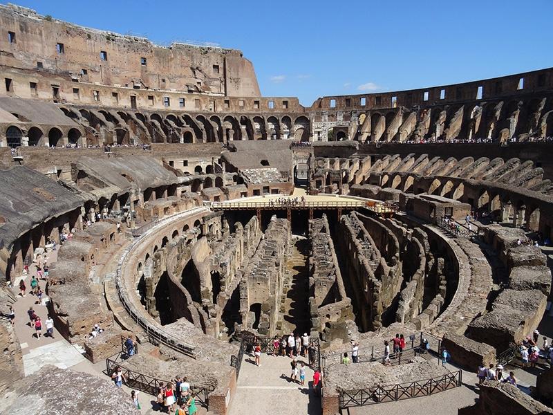 Внутри знаменитого римского Колизея