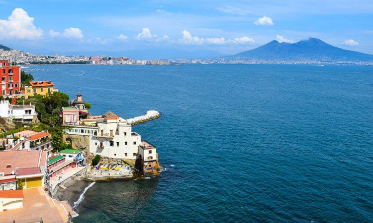 Неаполь— город между морем и вулканом