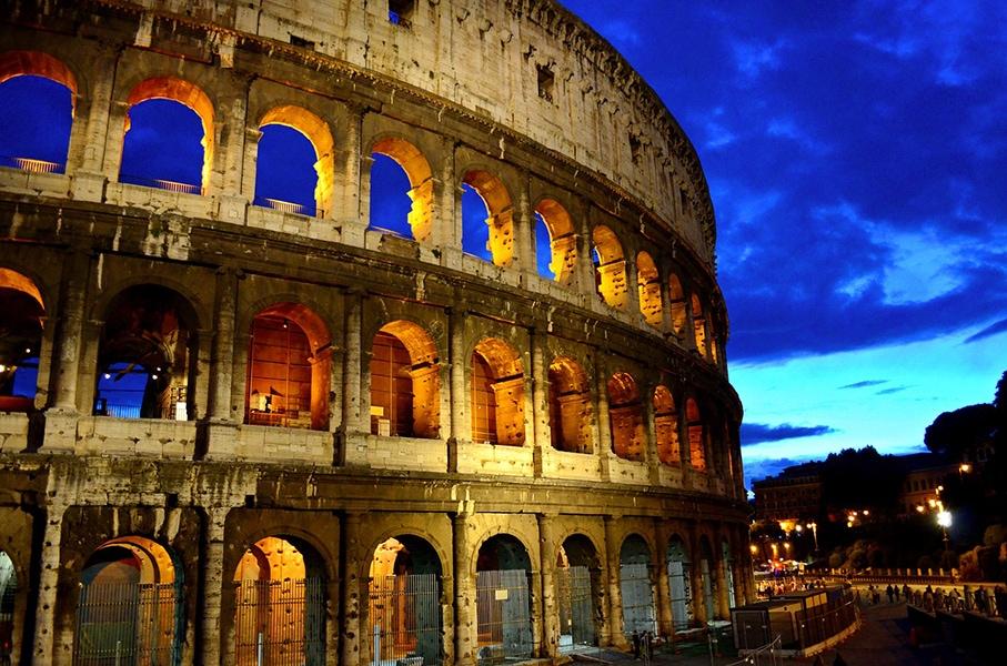 Колизей - один из главных символов итальянской столицы