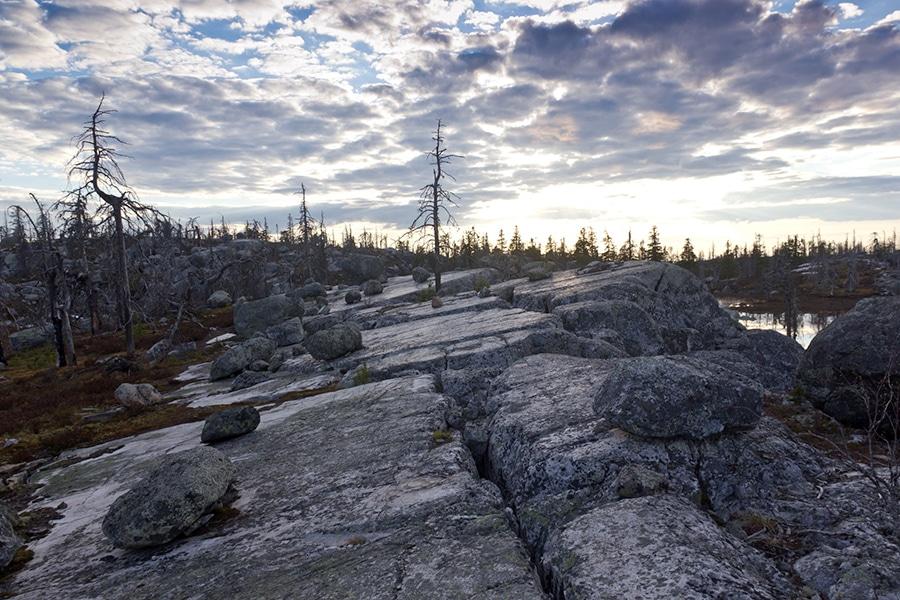 Каменные глыбы на вершине Воттоваара