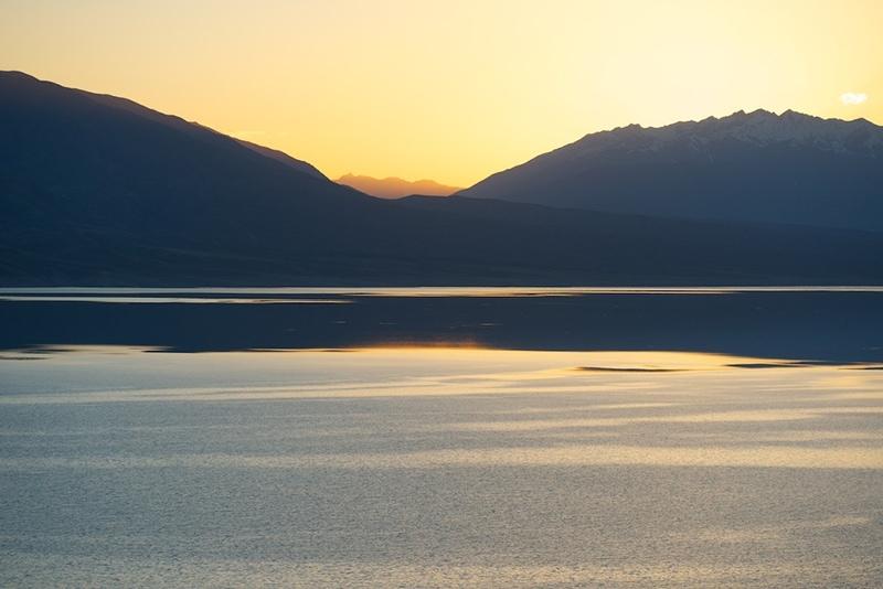 Закаты на Токтогульском водохранилище очень красивы (фото с сайта: www.mykgstan.com)