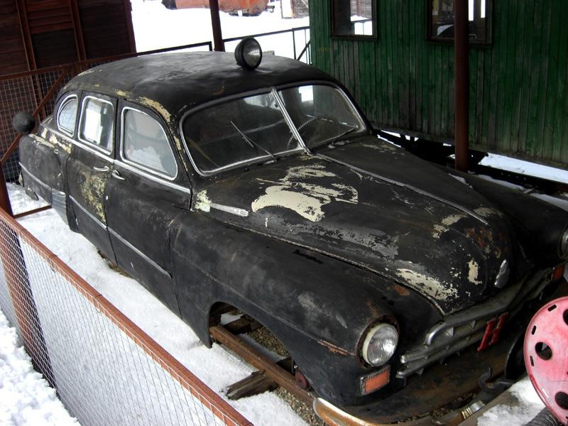 Рельсовый автомобиль ЗиМ. Он же ГАЗ-12. Таких всего два: один в Талицах, второй где-то на Украине