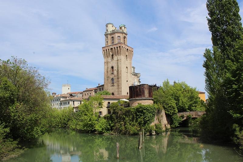 Старый замок и Обсерватория Ла Спекола