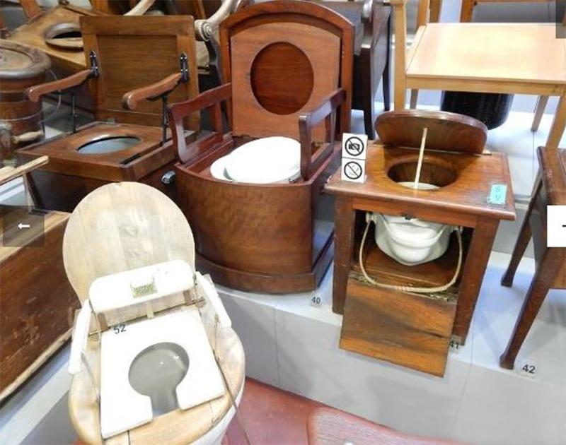 Некоторые вещи из богатой коллекции ночных ваз и туалетов (фото с сайта музея)