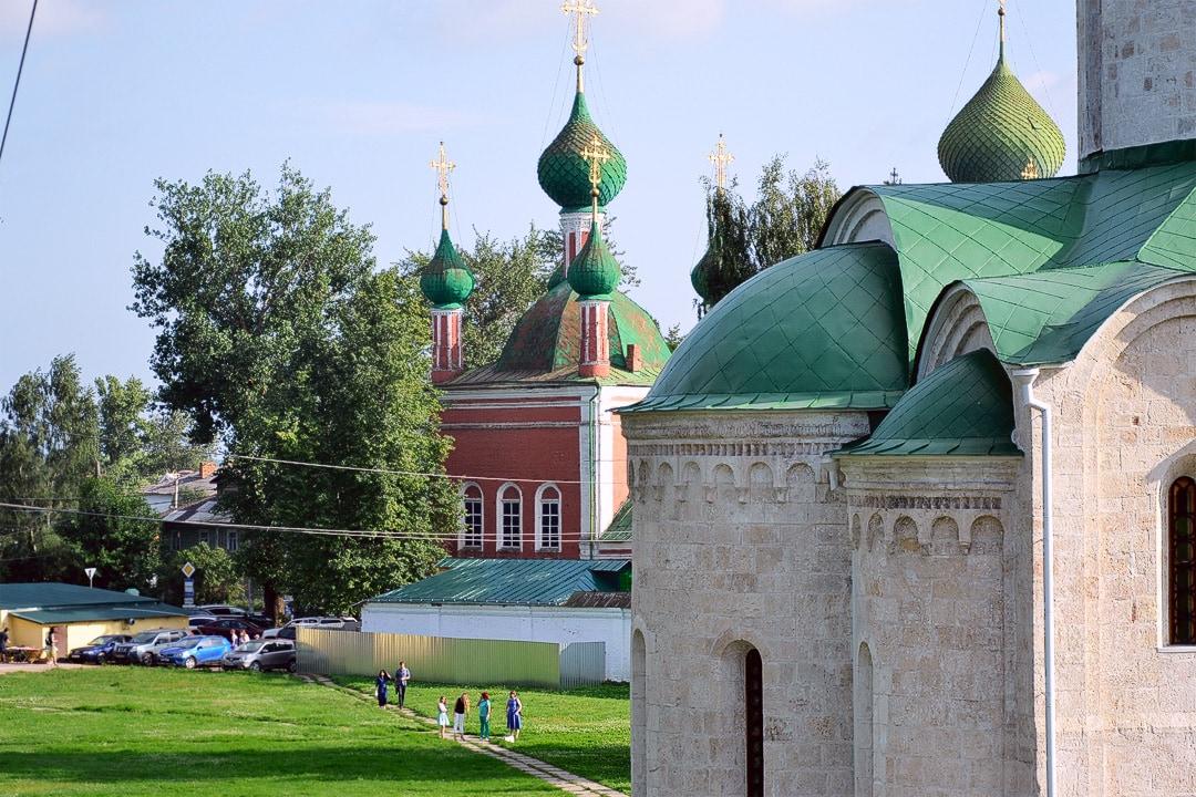 Купола Владимирского храма и храма Александра Невского