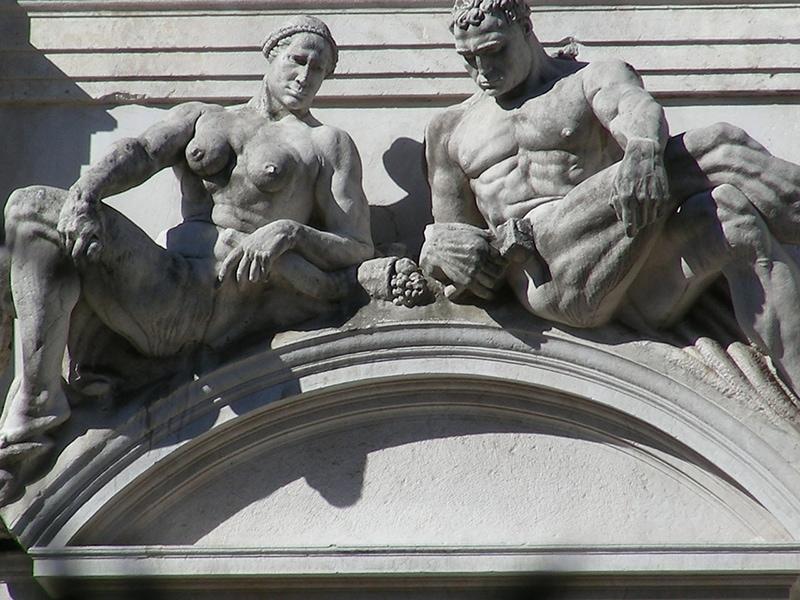 Статуи в Бергамо