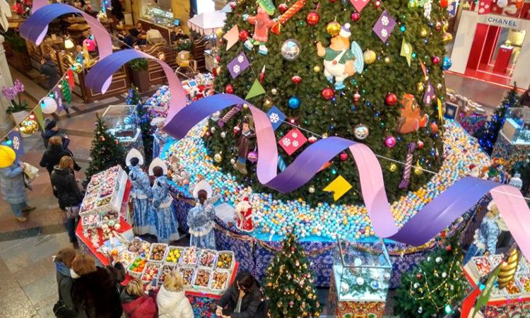 Топ-10 мест, куда стоит сходить в Москве на новогодние праздники