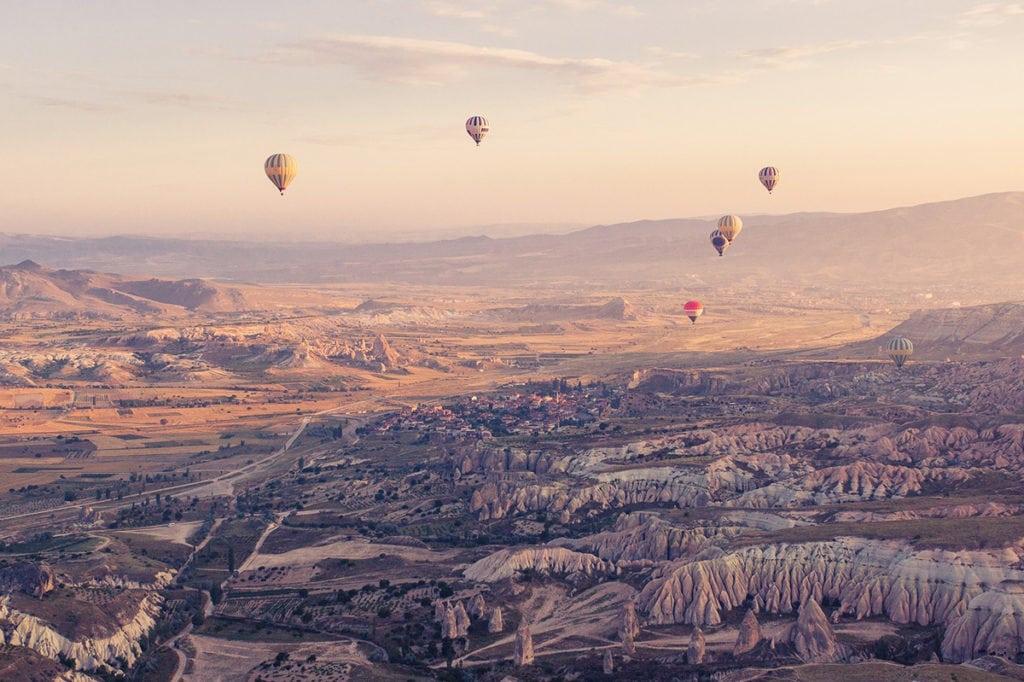 Яркие воздушные шары - символ Каппадокии