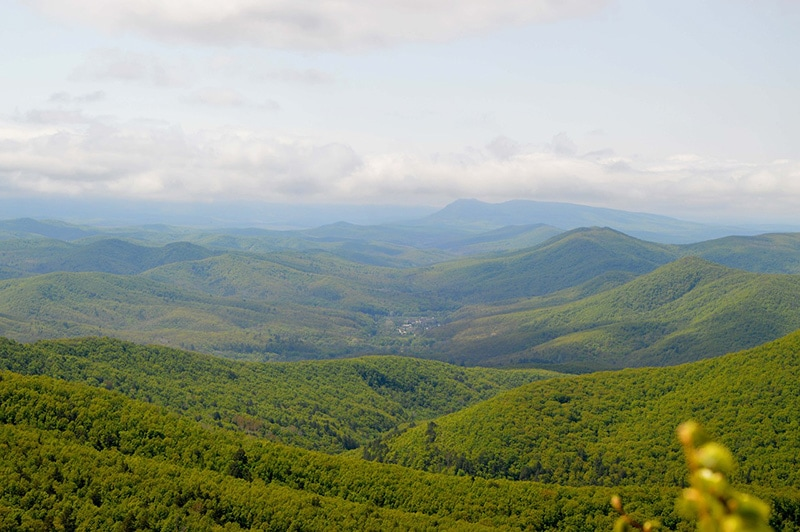 Природа и великолепные, поросшие зеленью, горы - главная достопримечательность куроротов Краснодарского края