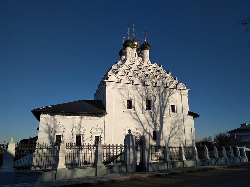 Стиль постройки храма Николы на Посаде называется «московское узорочье»