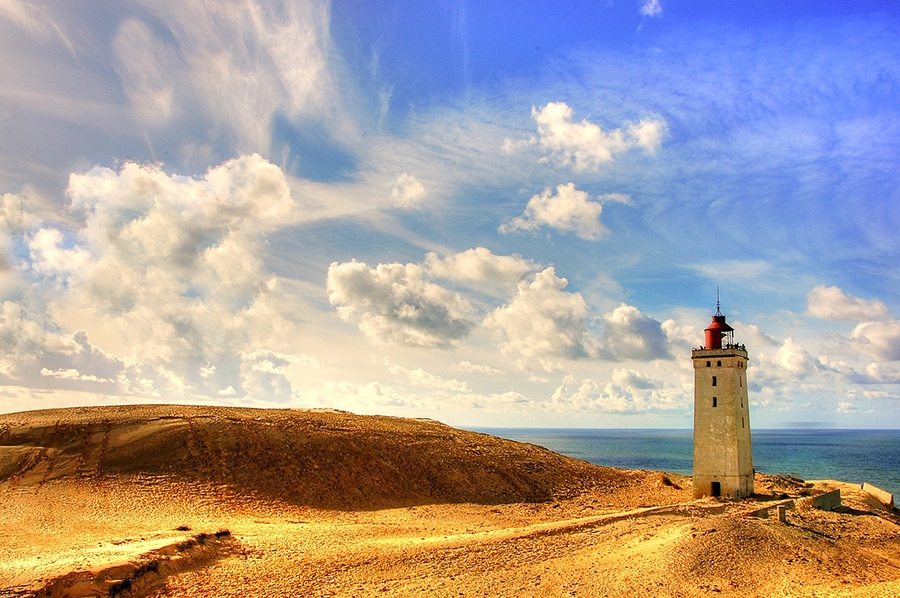 Высота маяка — 23 метра, его построили в 1900 году