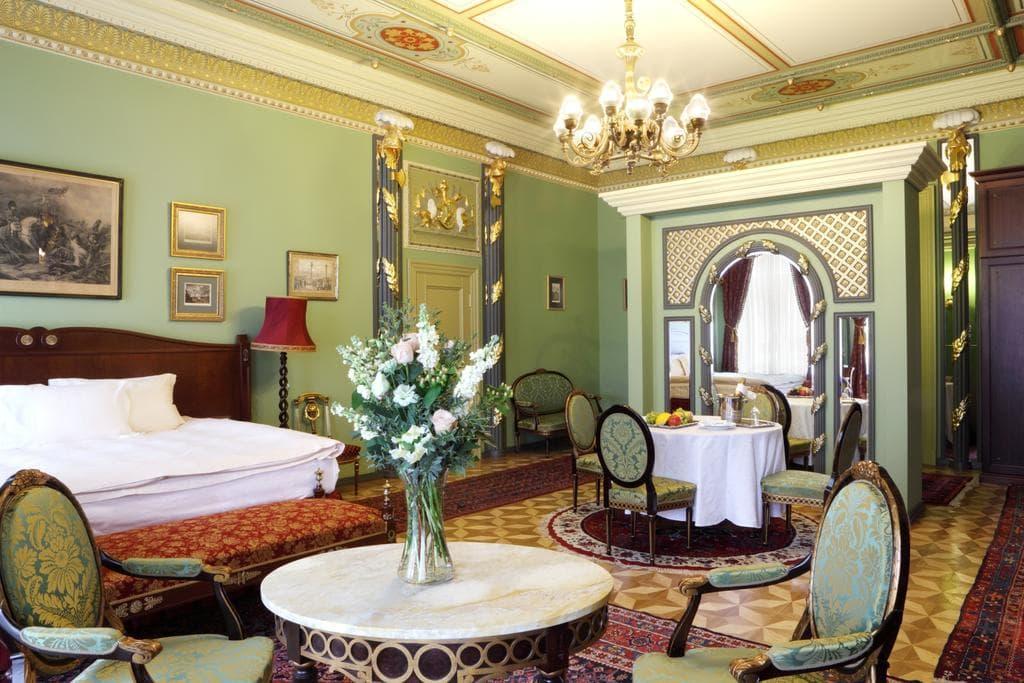 Отель Gallery Park в Риге
