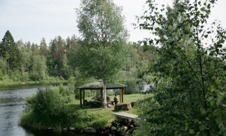 9 отелей и туристических баз по всей Карелии