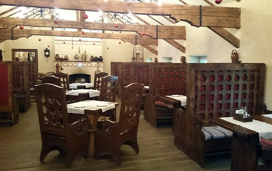 """Ресторан-музей """"Гостевая изба"""" сочетает традиции монастырской и традиционной русской кухни"""
