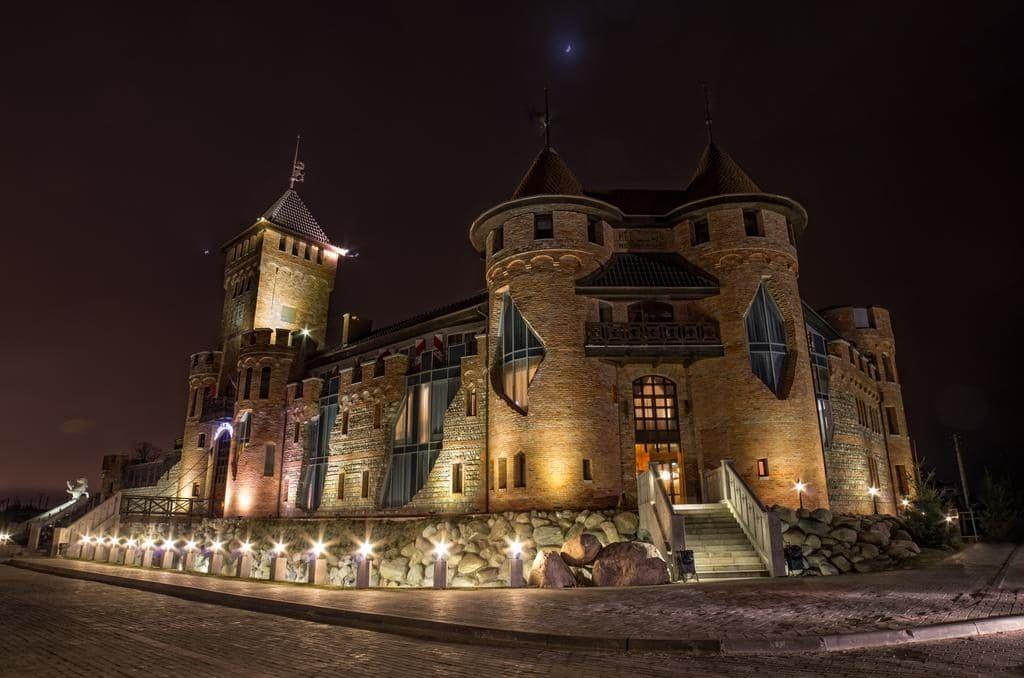 Отель-замок Нессельбек в Калининградской области