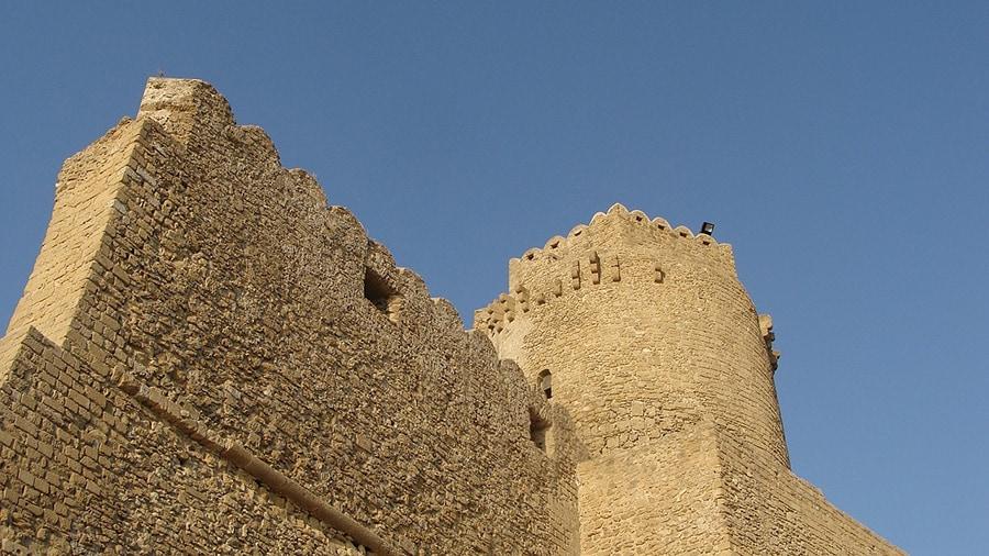 С вершины замка прекрасно просматривается город, Мессинский залив и Сицилия