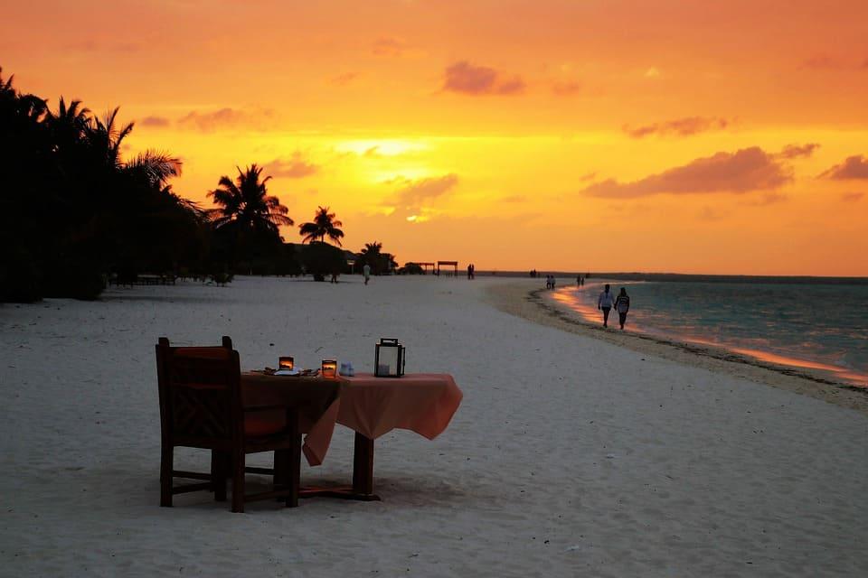Закат на Мальдивах – без визы на пляж