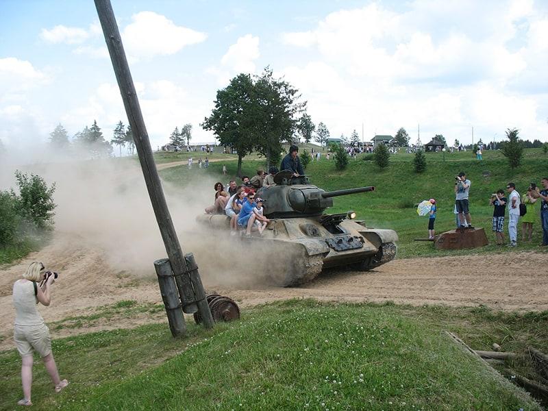 Линия Сталина. Катание на танке