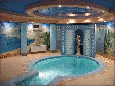 Бассейн в отеле Гламур в Калининграде