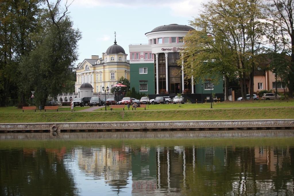 Вид на отел Гламур в Калининграде