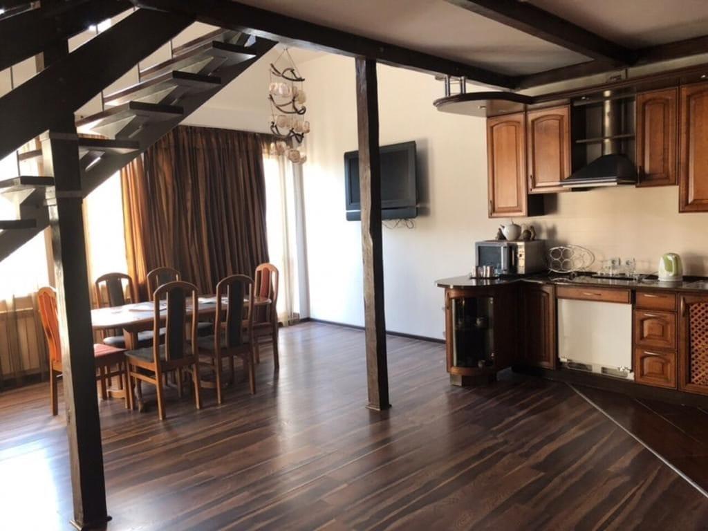 Кухня в отеле Робинзон