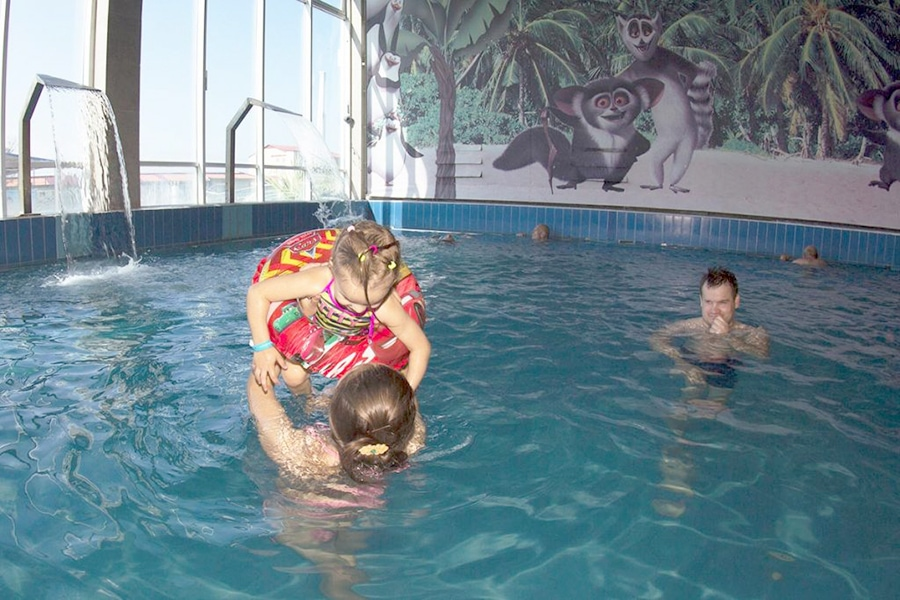 """Термальный бассейн """"Баден-Баден"""" в Лоо /фото с официального сайта"""
