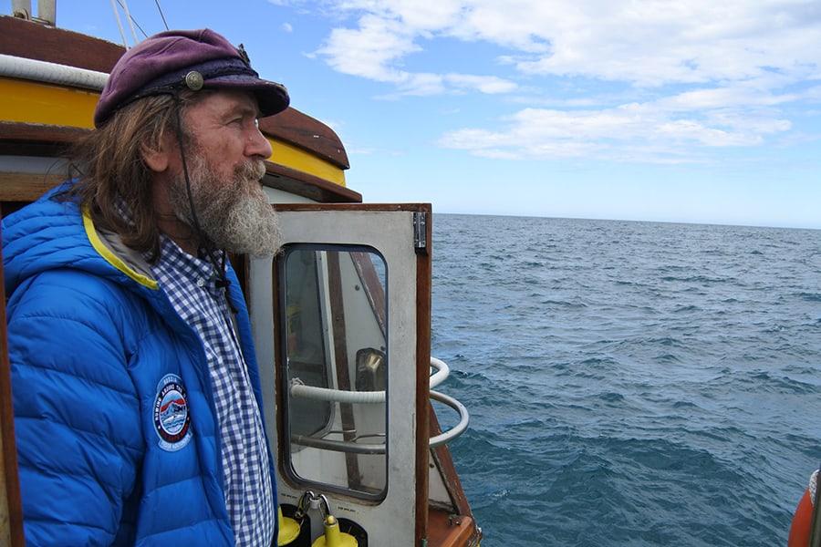 Федор Конюхов на борту лодки