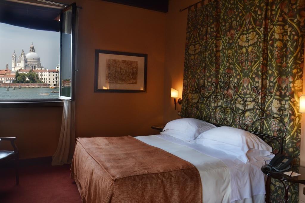 Номер с видом на Венецию в отеле Bauer Palladio /фото Booking.com