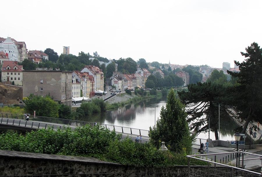 Вид из Гёрлица на Старый мост и Згожелец