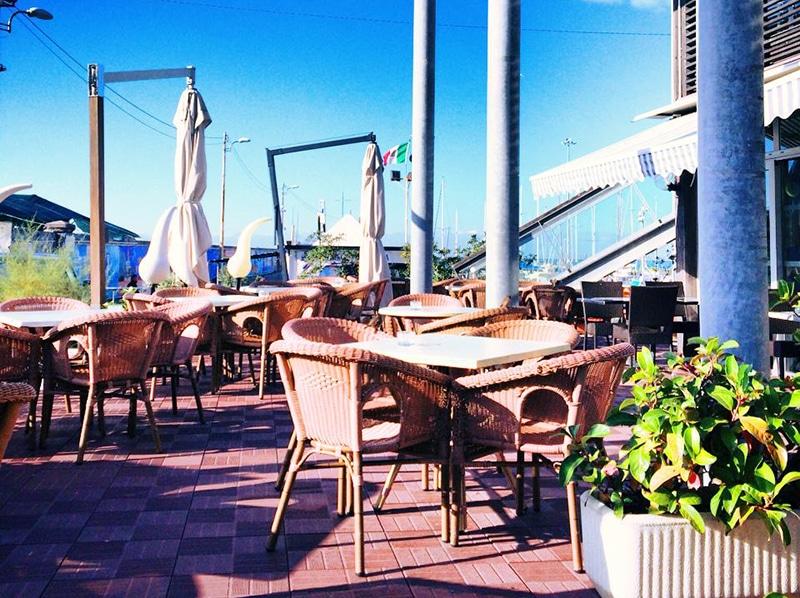 Открытая веранда ресторана Baracchina Alpe