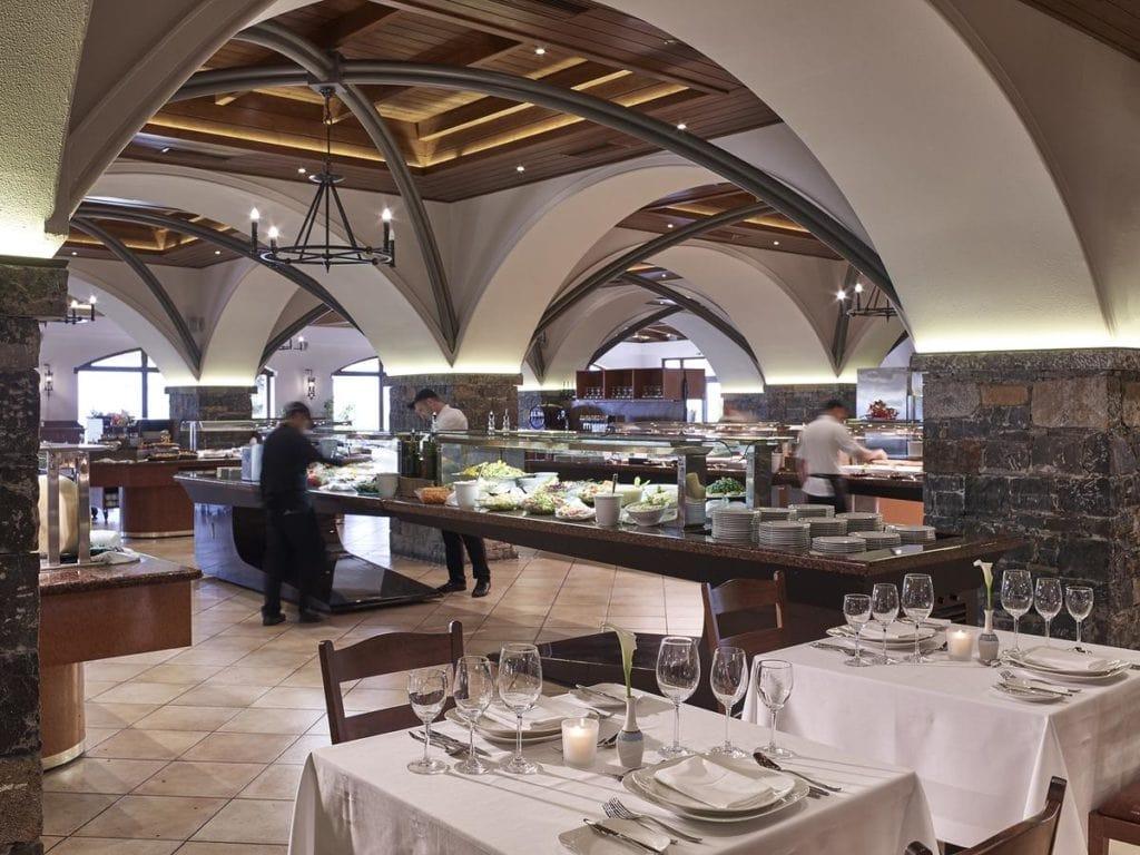 Ресторан в спа-отеле Creta Maris