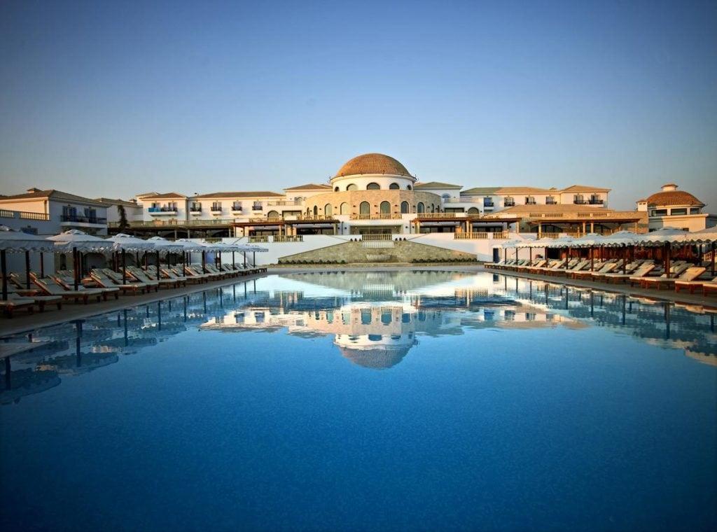 Вид на спа-отель Mitsis Laguna в Греции