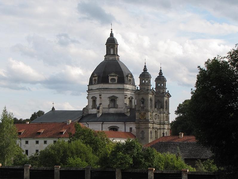 Вид на монастырь Пажайлис