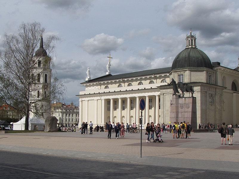 Вильнюс. Кафедральная площадь и собор
