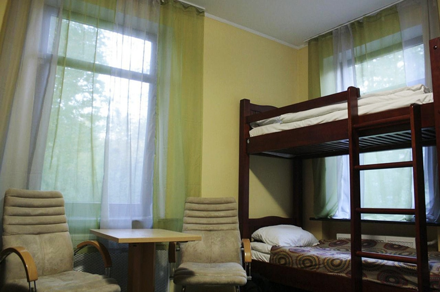 Место в общей комнате/фото с booking.com