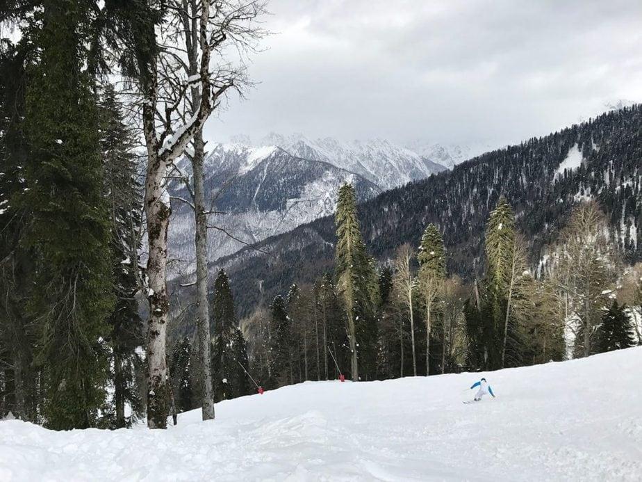 Горнолыжные склоны близ Сочи