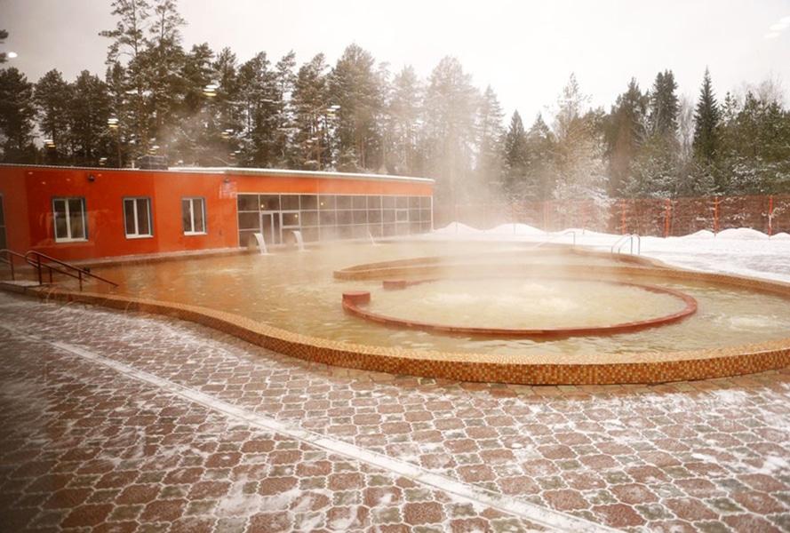 Открытый бассейн в термальном комплексе «Акварель» / фото с официального сайта